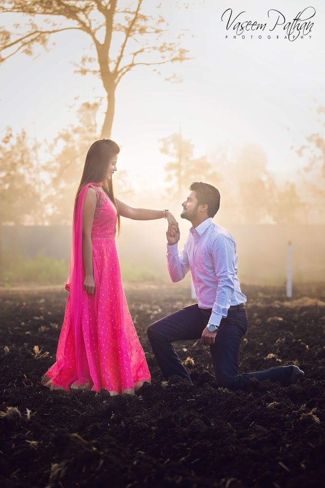 Photo 4 From Vaseem Pathan Quot Portfolio Quot Album Wedding Photoshoot Poses Pre Wedding Photoshoot Outdoor Wedding Photos Poses