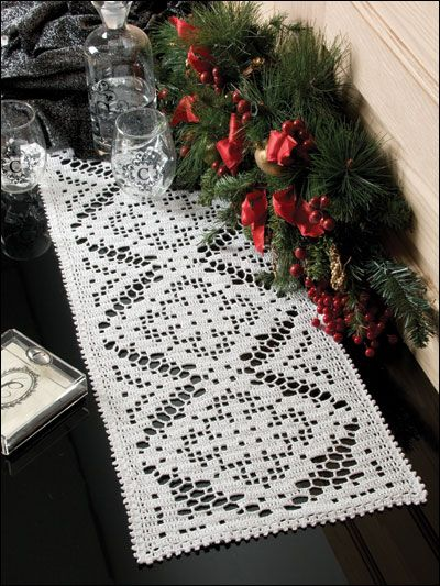 filet crochet table runner