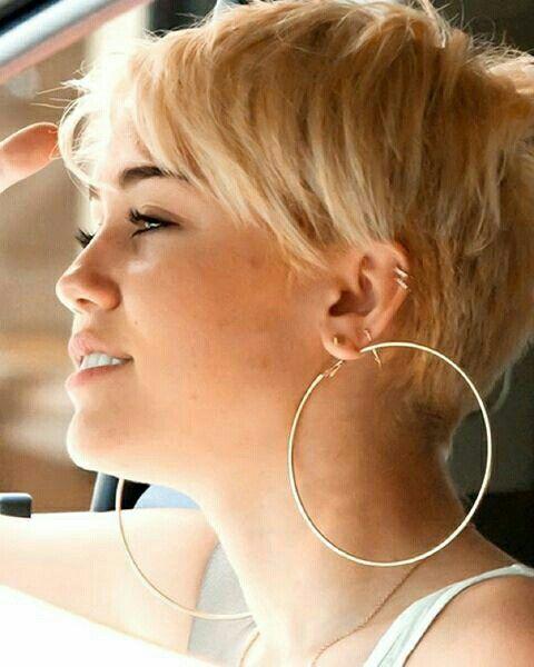 Miley Cyrus Undercut Back View Miley Cyrus Short Hair Short Hair Styles Miley Cyrus Hair