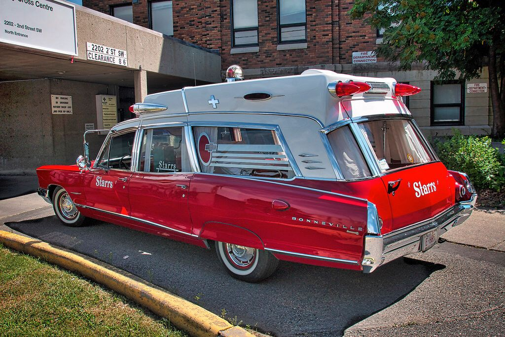 1965 Pontiac Superior High Top American Ambulance Cool Vans