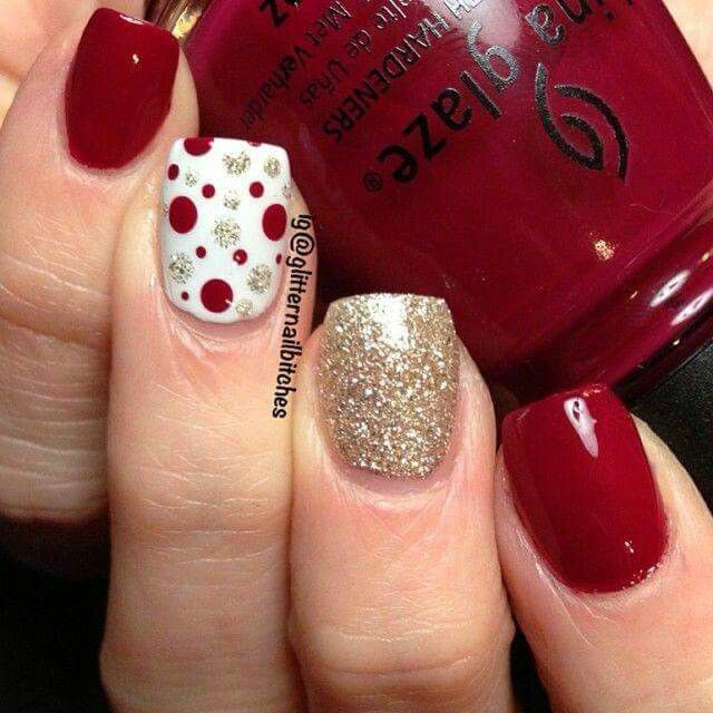 Christmas Nails Not Red: Gold Shimmer