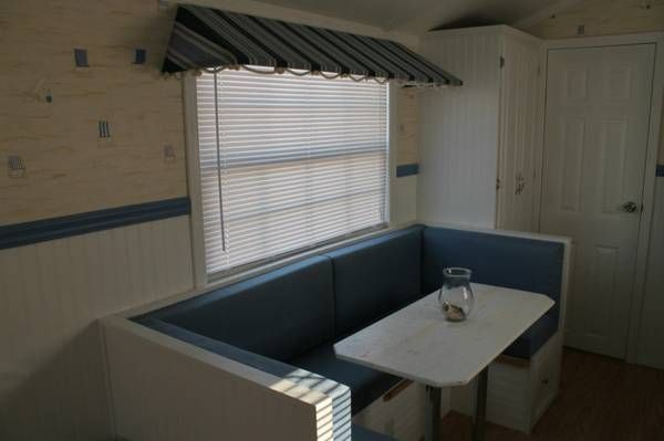 park-model-tiny-house-for-sale-in-florida-03  Love the banquette