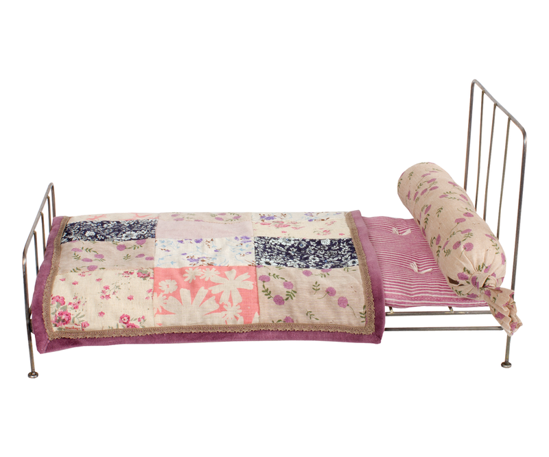 Maileg Medium Romantic Bed