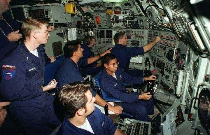 637 Control Room Us Navy Submarines Nuclear Submarine Submarines