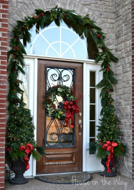 christmas front door and porch decor - Christmas Front Porch Decorations Pinterest