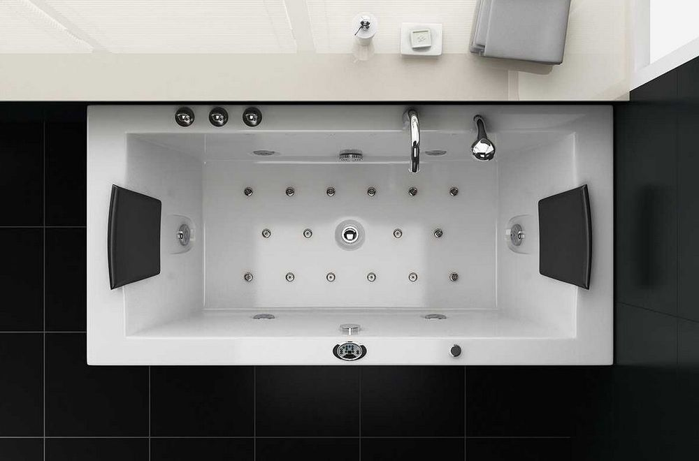 whirlpool badewanne jacuzzi f r 2 personen sofort lieferbar f rd szoba badewanne whirlpool. Black Bedroom Furniture Sets. Home Design Ideas