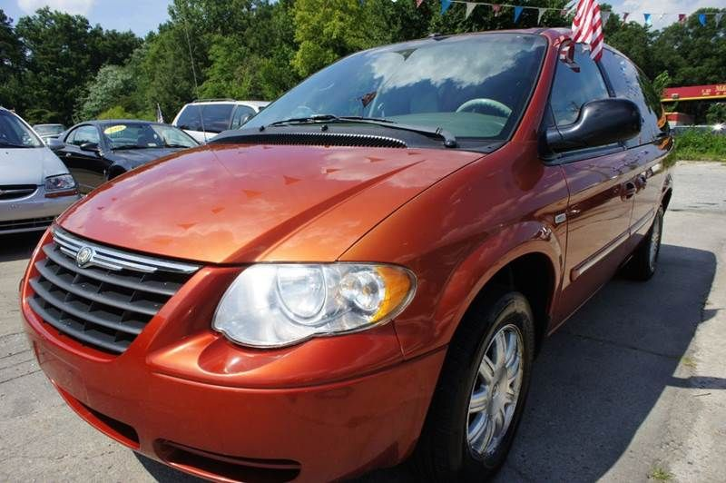 2006 Chrysler Town And Country Touring 4dr Extended Mini Van In