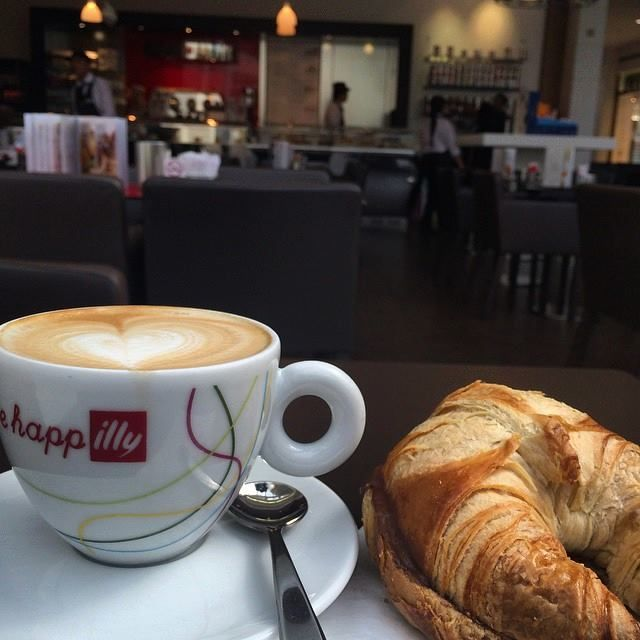 cappuccino and croissant with chocolate