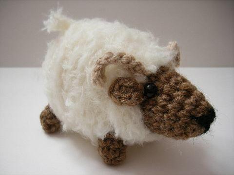 Free Amigurumi Lamb : Amigurumi sheep lamb no pattern in english just for