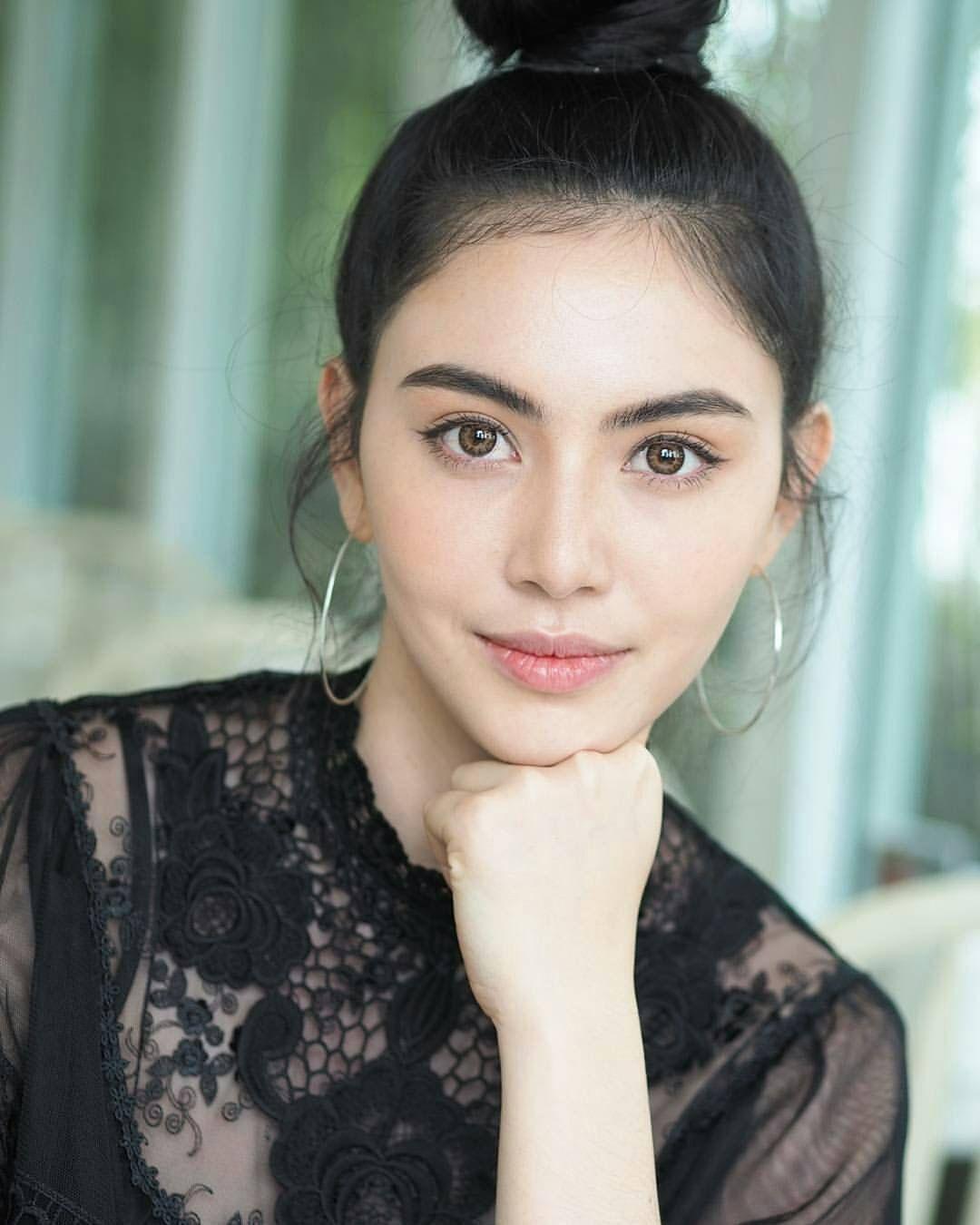 Davika Hoorne Filipina beauty, Fresh face makeup, Davika