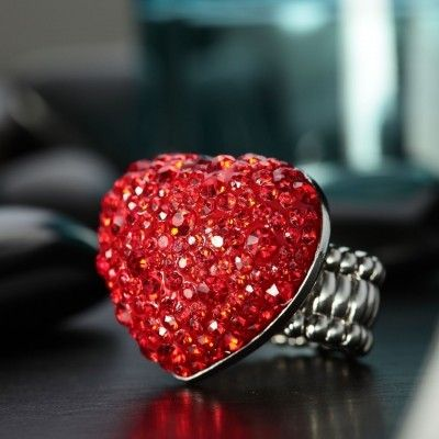red crystal heart cocktail ring