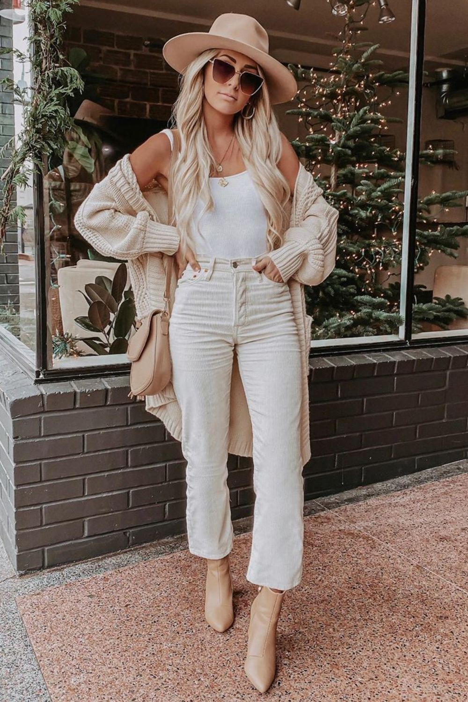 Tres Cozy Cream – Übergroße Strickjacke mit Zopfmuster – Spring Outfit