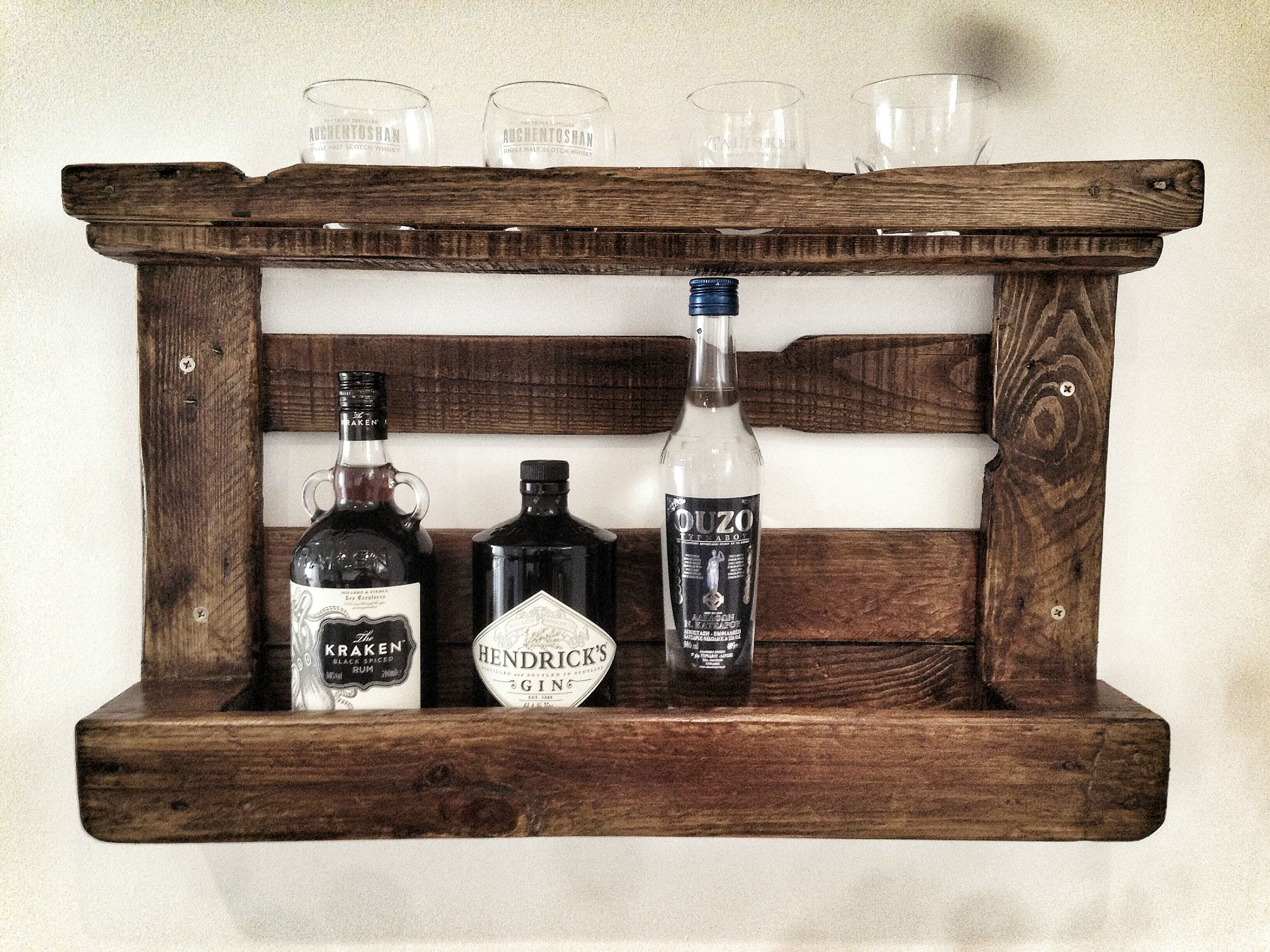 I build a drinks rack out of an old pallet | woodworking | Pinterest ...