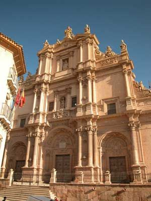 Colegiata de San Patricio: fachada.