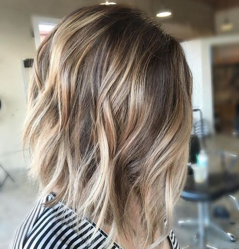 How do you get this *suggestion* of a curl/wave??