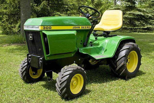 John Deere 300 Lawn Tractor Attachments : John deere garden tractor attachments ftempo