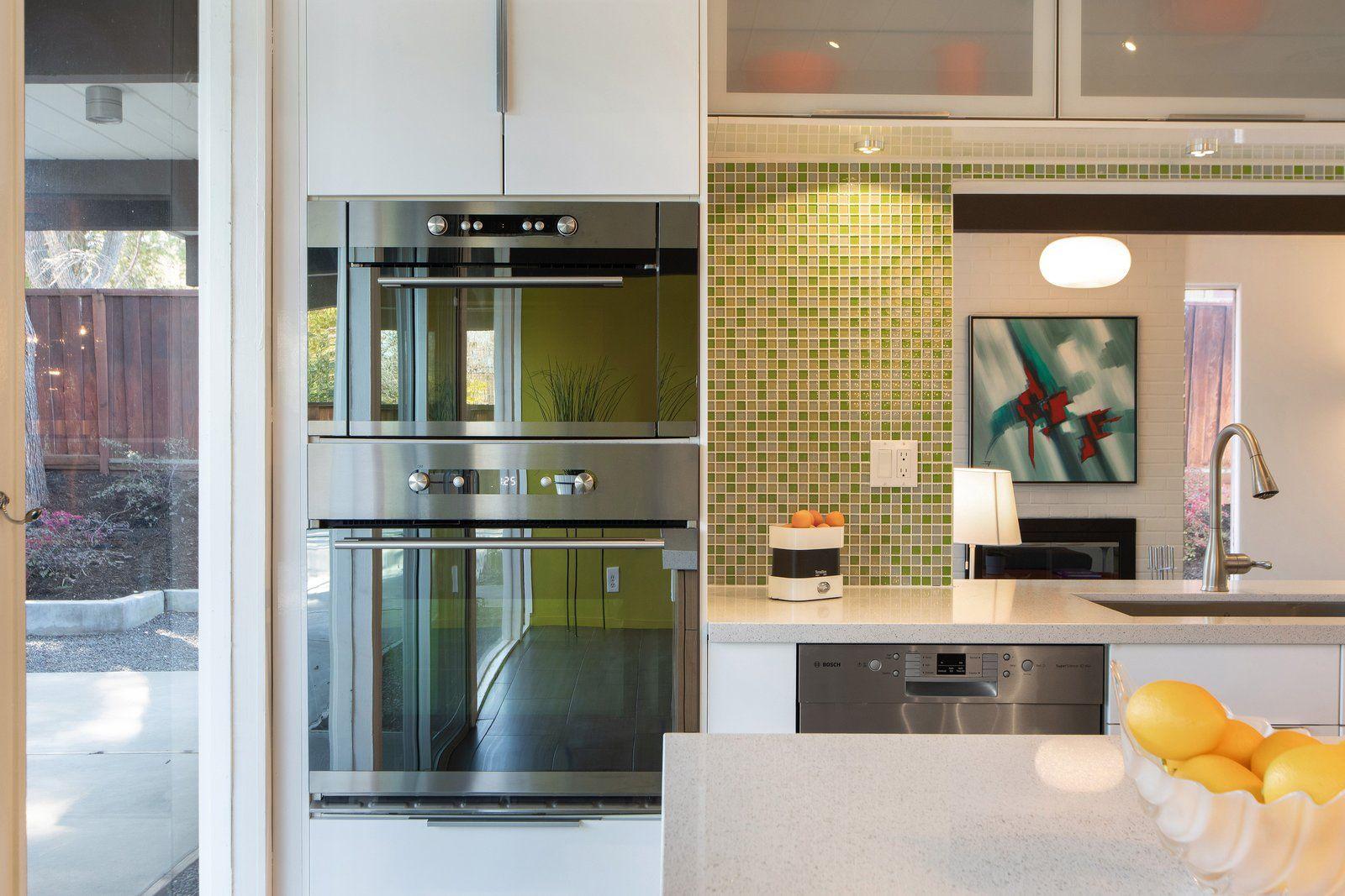 Photo 8 Of 15 In An East Bay Eichler Offers Midcentury Living For Modern Kitchen Design Modern Kitchen Kitchen Designs Photos