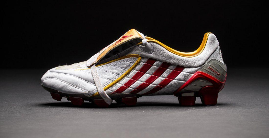 desfile Empotrar desayuno  Historia de las botas de fútbol adidas Predator - Fútbol Emotion | Football  boots, Soccer cleats, Crazy shoes