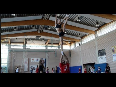 Coed Cheerleading Stunts #cheerleadingstunting Coed Cheerleading Stunts #cheerleadingstunting