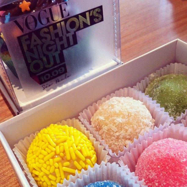 Cupcakes e docinhos especiais para o evento #Adoro