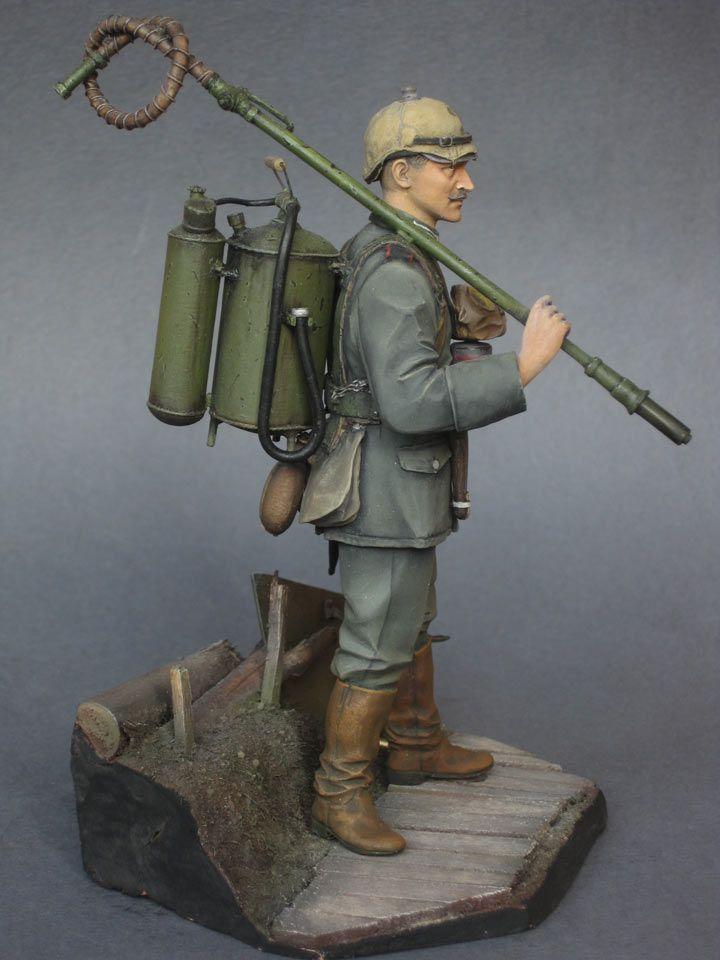 """""""German flamethrower operator, 1915"""" CITADEL MODELS 120mm scale. By Pavel Prokhorov. #WW1 http://en.diorama.ru/gallery/figures/3863/"""