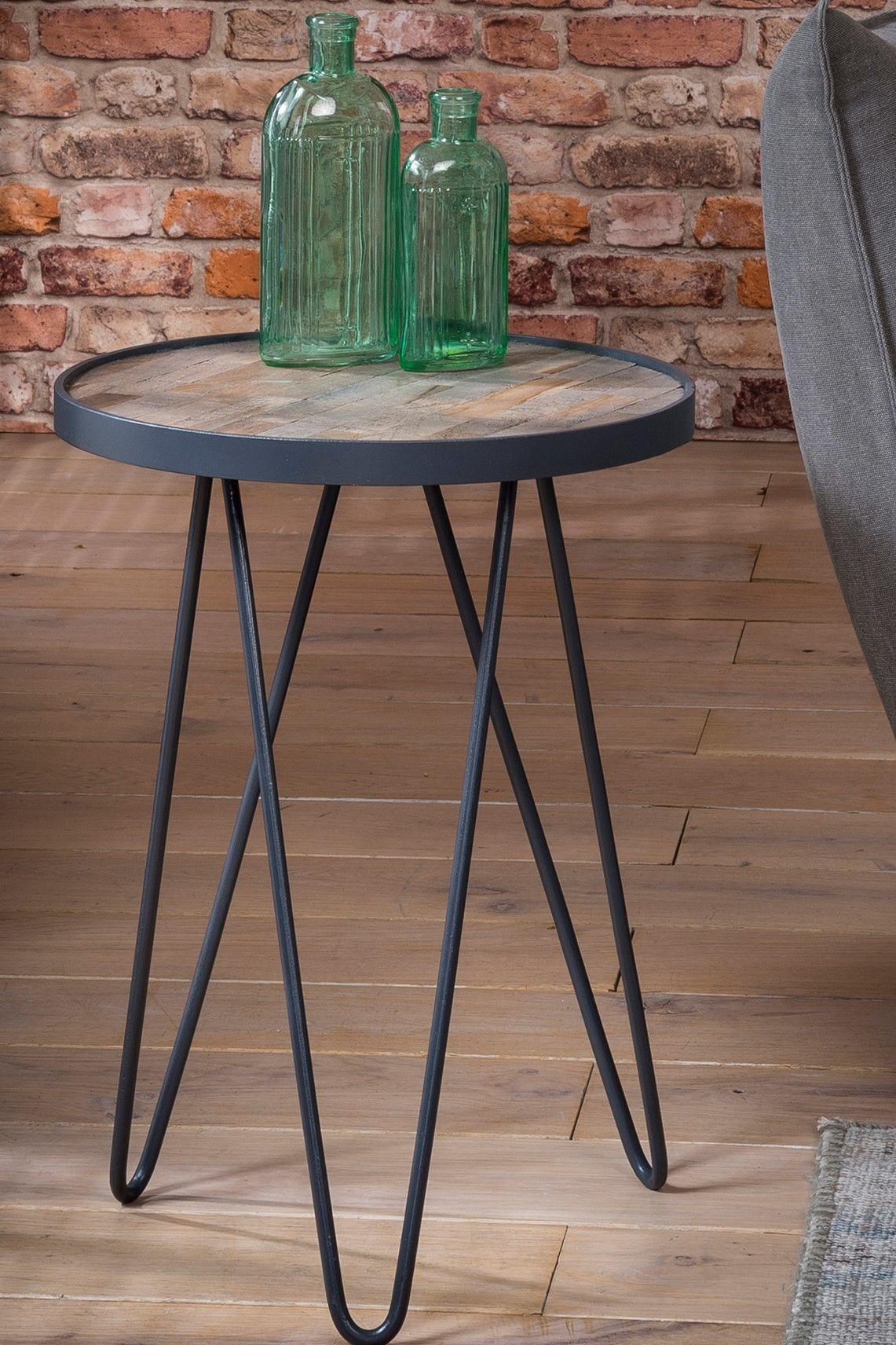 Pin Von Wagner Nascimento Auf For The Home In 2020 Beistelltisch Beistelltisch Holz Beistelltische Wohnzimmer