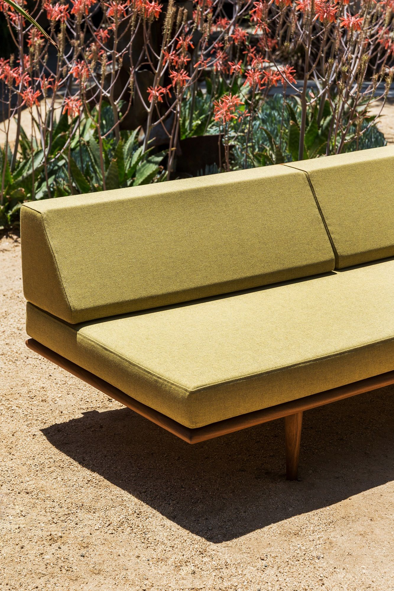 Case study outdoor daybed made in california by modernica