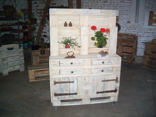 Schrank Dekorieren Sammlung : Schrank aus gebrauchten europaletten als deko für die