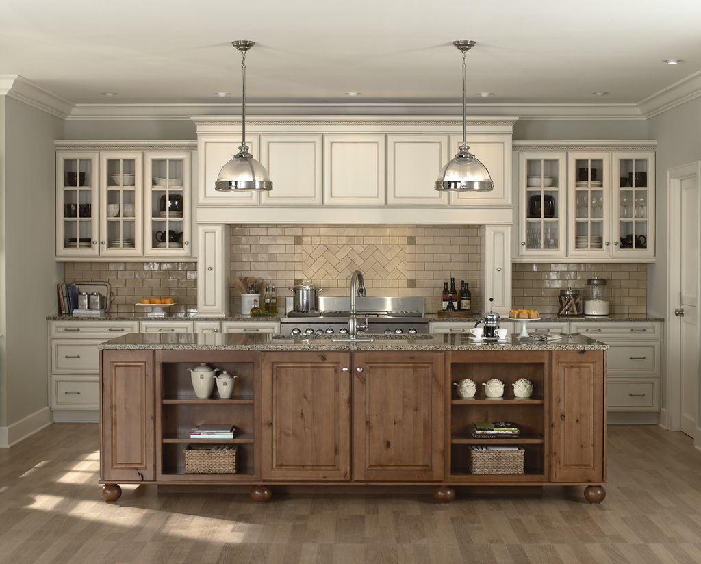 Antique White Kitchens Are Very Attractive And Popular Because They Always Look So Elegan Antique White Kitchen Antique White Cabinets Vintage Kitchen Cabinets