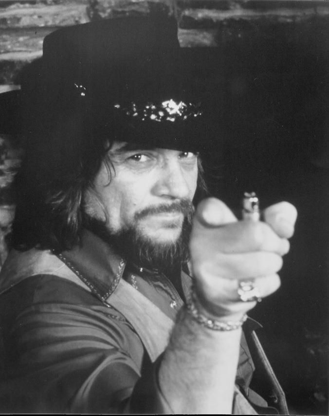 e1e32d48cf0ee I said play REAL country music! Waylon Jennings saw him at the Oil Palace
