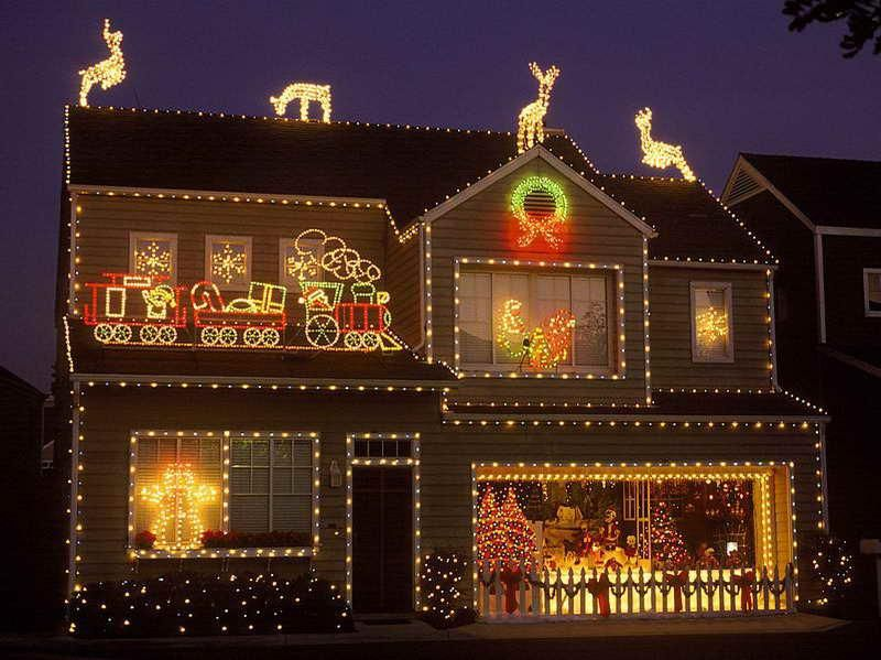 Images Of Outside Houses Decorated For Christmas Valoblogi Com