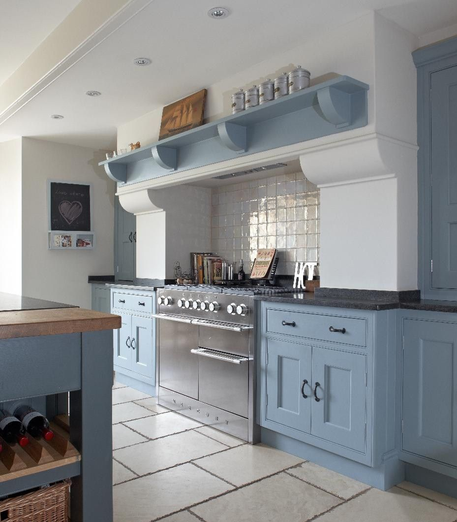 Period Kitchens Designs Renovation: Id Homes Design. Classic Kitchen With Painted Handmade