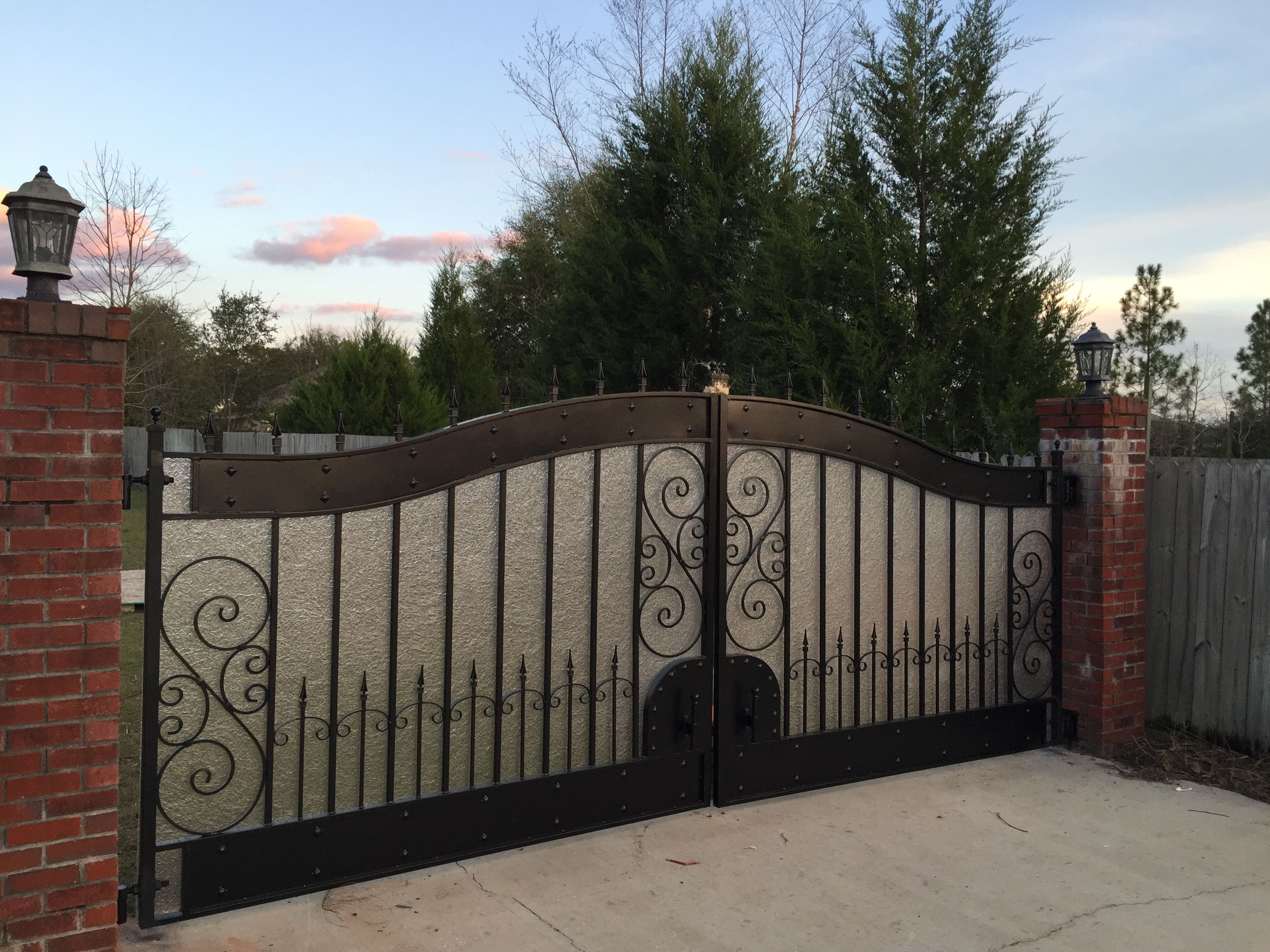 We Added Kringlass For Privacy To This Hyde Park Driveway Gate Driveway Gate Gate Simple Gate Designs