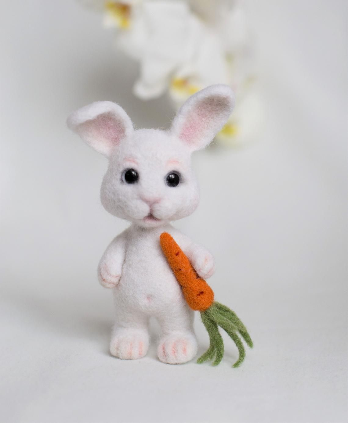 White felted bunny Easter rabbit Felted animal Needle felt rabbit Easter bunny Wool felt hare nimal miniature Needle felt bunny Easter gift #needlefeltedbunny