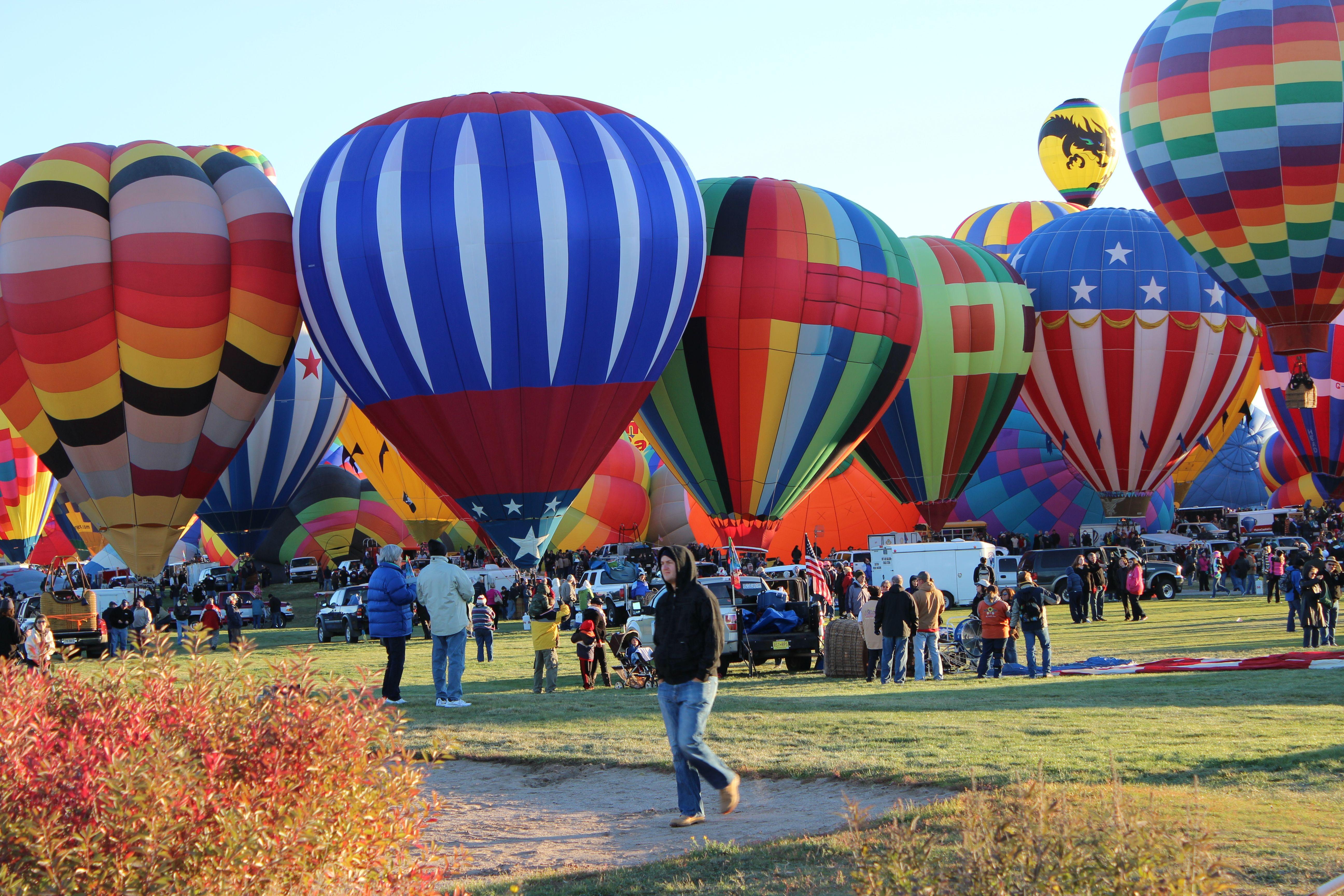 Morning launch at Balloon Festival.  Albuquerque, NM Photo by Cynthia Bridges