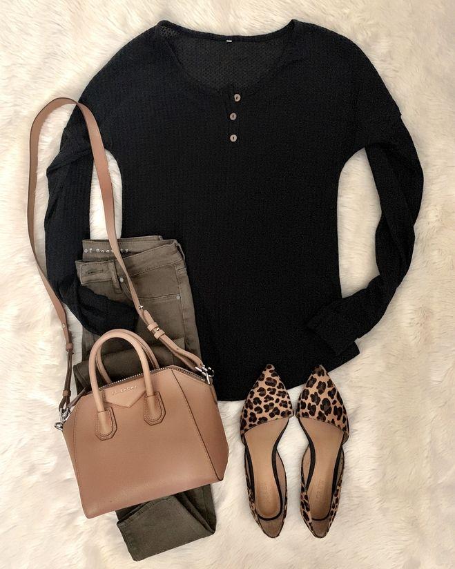 MrsCasual | Instagram Fashion Blogger | Teacher, Mom, Women's Style Blog