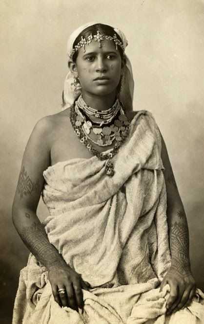 Algerian woman, late 19th century