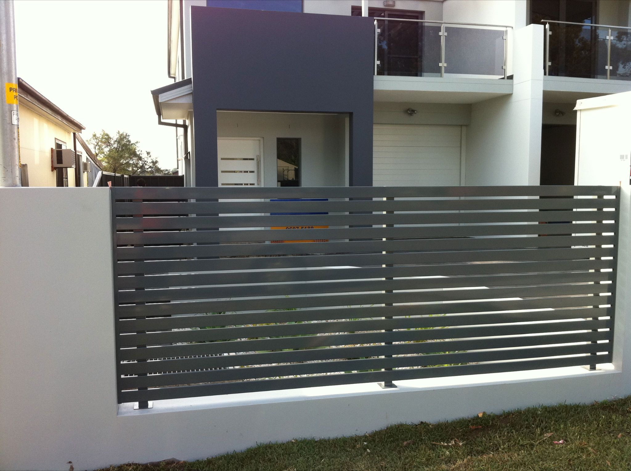 Aluminium Kerites Latte With Images House Exterior Fence