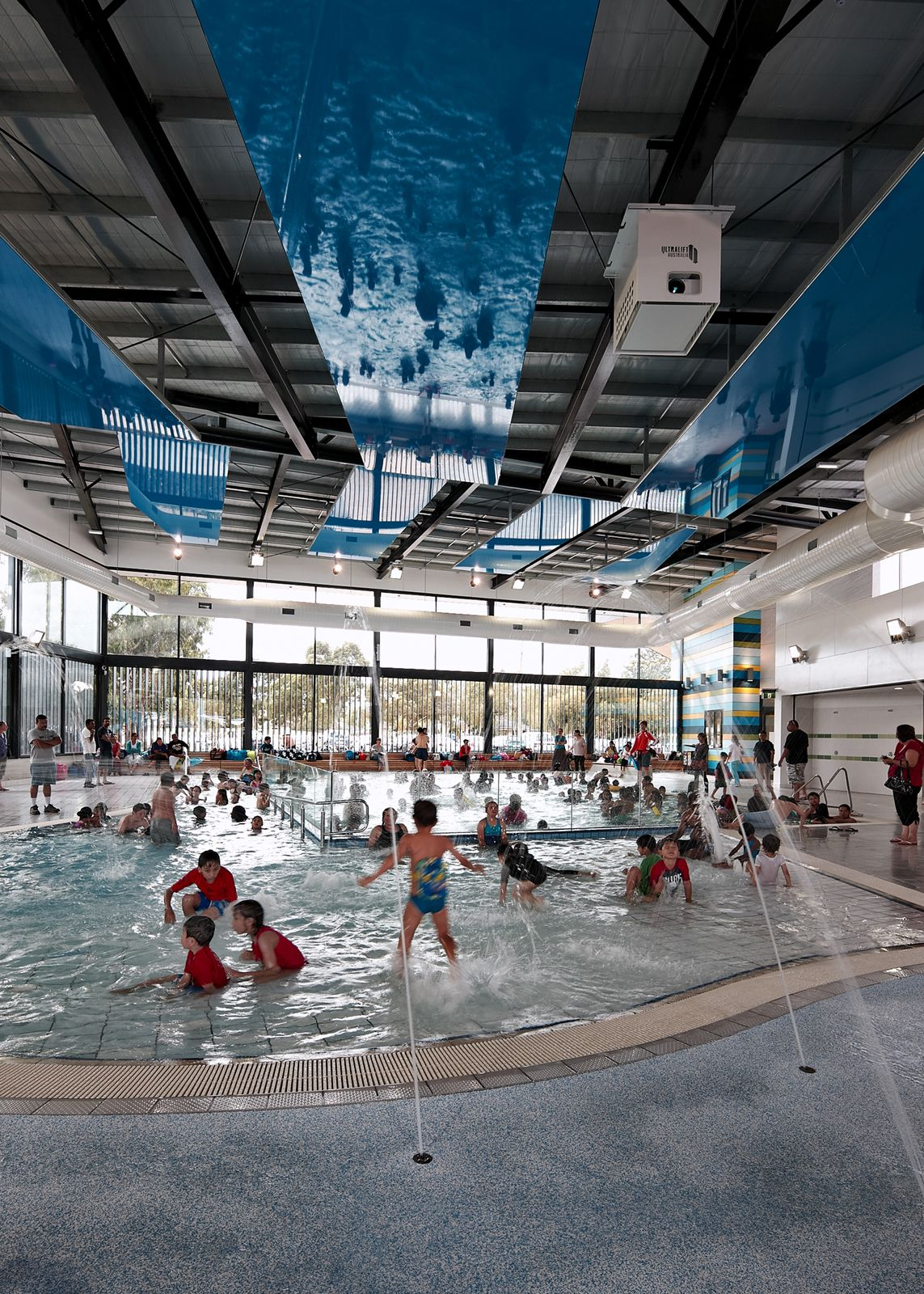 Noble park aquatic centre by suters arquitects in victoria for Piscine sourceane