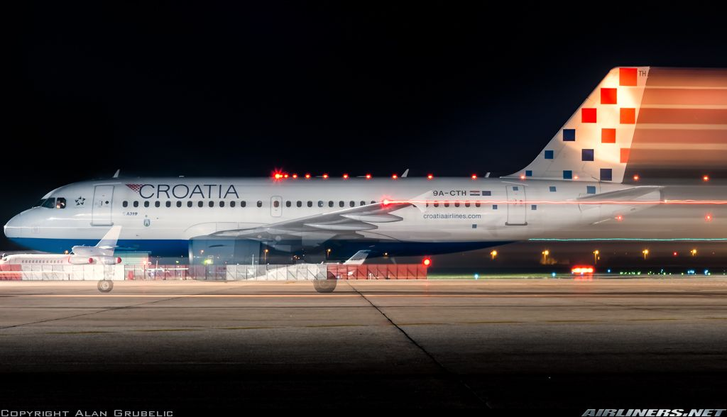 Croatia Airlines Airbus A319 112 9a Cth Zagreb Giving The Illusion Of Supersonic Taxiway Speed At Zagreb Pleso September 2 Croatia Airlines Airlines Croatia