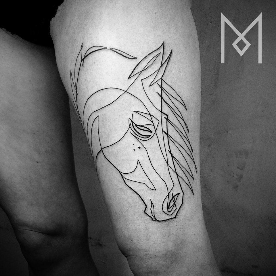 minimalistic horse in a wind