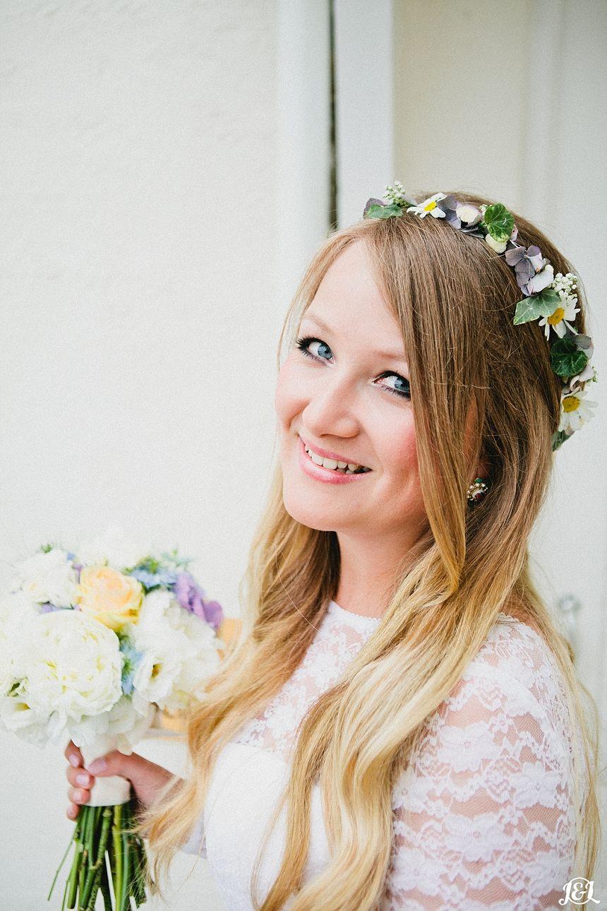Vintage hippy chic bride mod s inspired wedding in pocklington