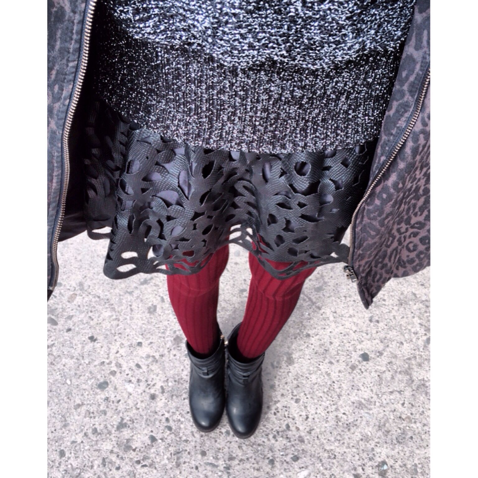Mixing textures and prints this cold LA day #silverwears #mixingprints #mixingtextures #sowearto #hm #topshop #fashion #fashionblogger #fblogger #falltrends #fallfashion