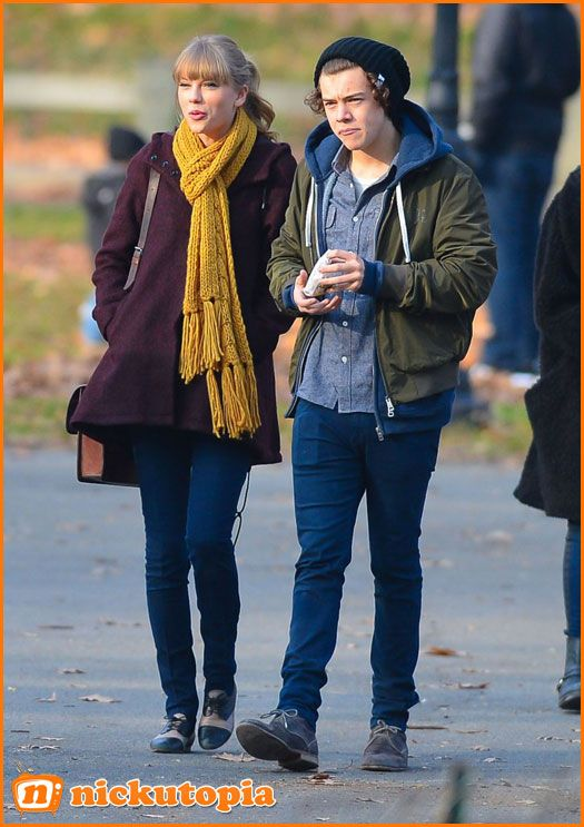 Taylor Swift And Harry Styles Stroll Through Central Park ...