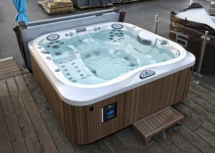 j 375 hot tub spas jacuzzi en ext rieur pinterest hot tubs. Black Bedroom Furniture Sets. Home Design Ideas