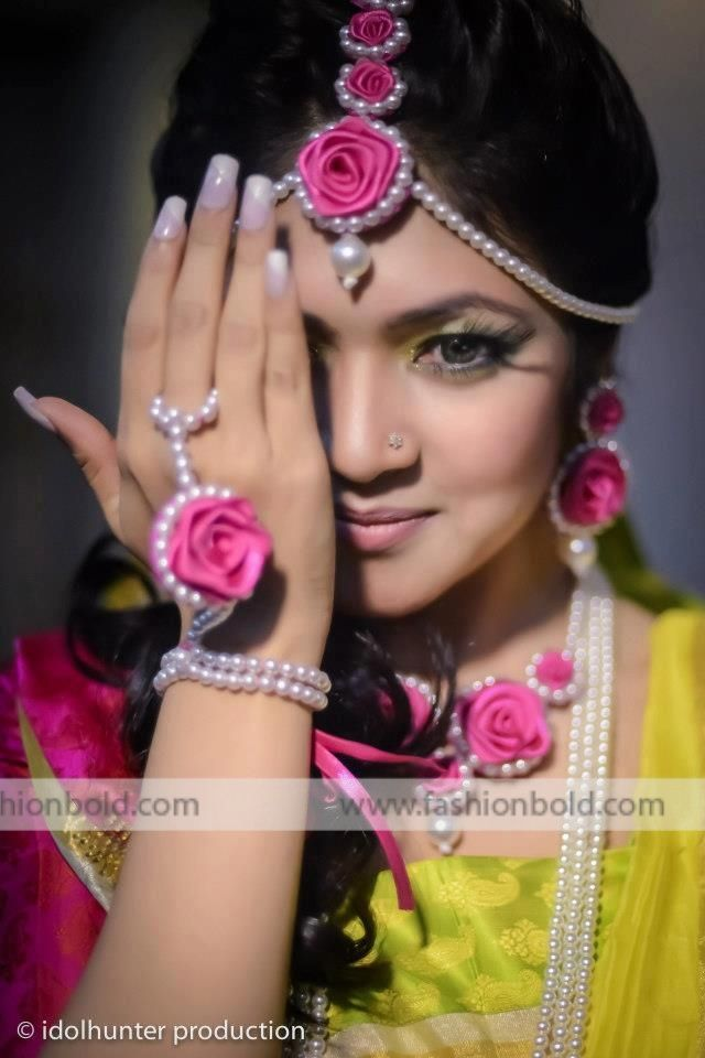 Pearl Flower Jewellery for a Mehendi function Wedding