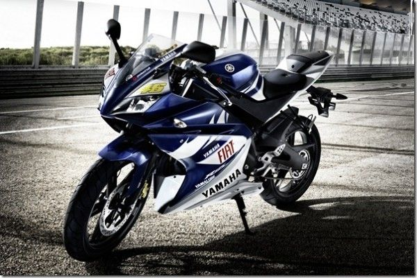 Yamaha R25 Will Be Imported To India With Images Yamaha R25