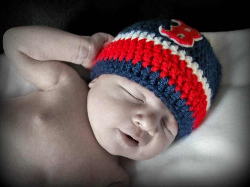 Boston Red Sox crochet baby hat by TheKnottyRocker on Etsy e897cb9d5ba