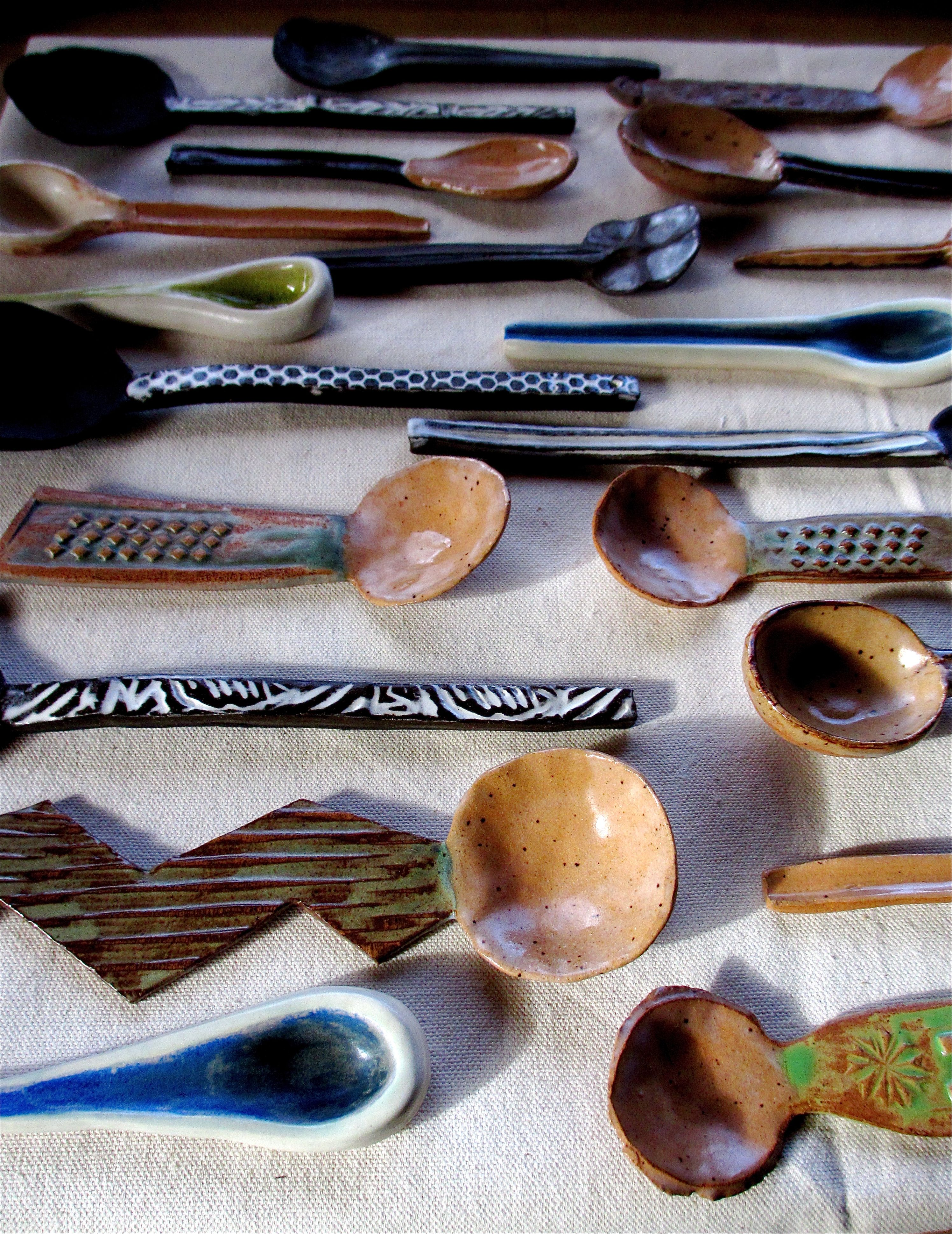 Cucharas ceramica detalles y muebles pinterest for Herramientas ceramica artesanal
