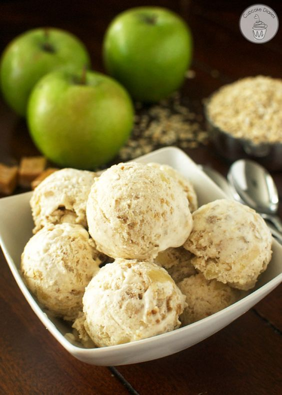 Apple Crisp Ice Cream - This fall ice cream treat is a perfect dessert option for Thanksgiving! #CansGetYouCooking: